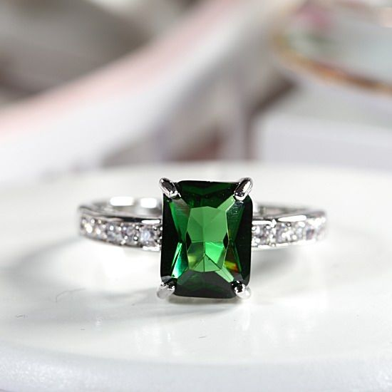 Engagement Green Emerald 18K White Gold Plated Lady Fashion Ring Size